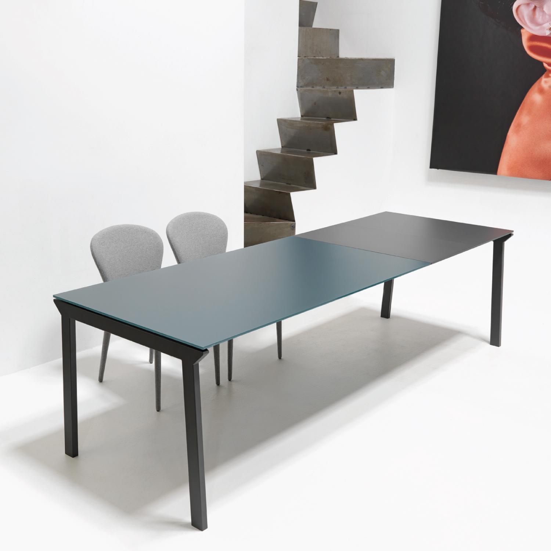 Un tavolo forte e resistente perfetto in cucina o in for Porticati vecchio stile