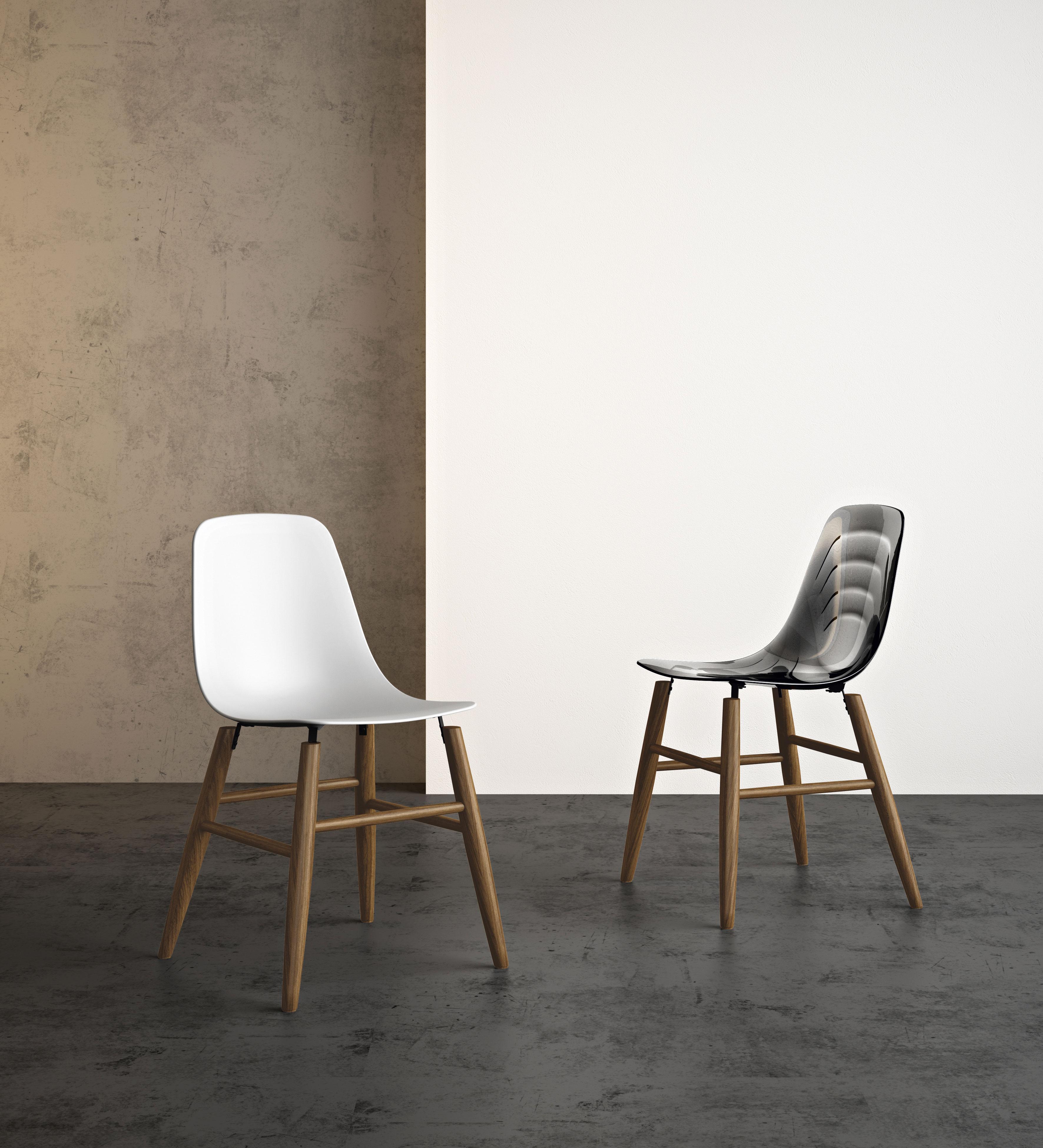 Sedie in plastica eleganti per arredare casa - Sedie plastica design ...