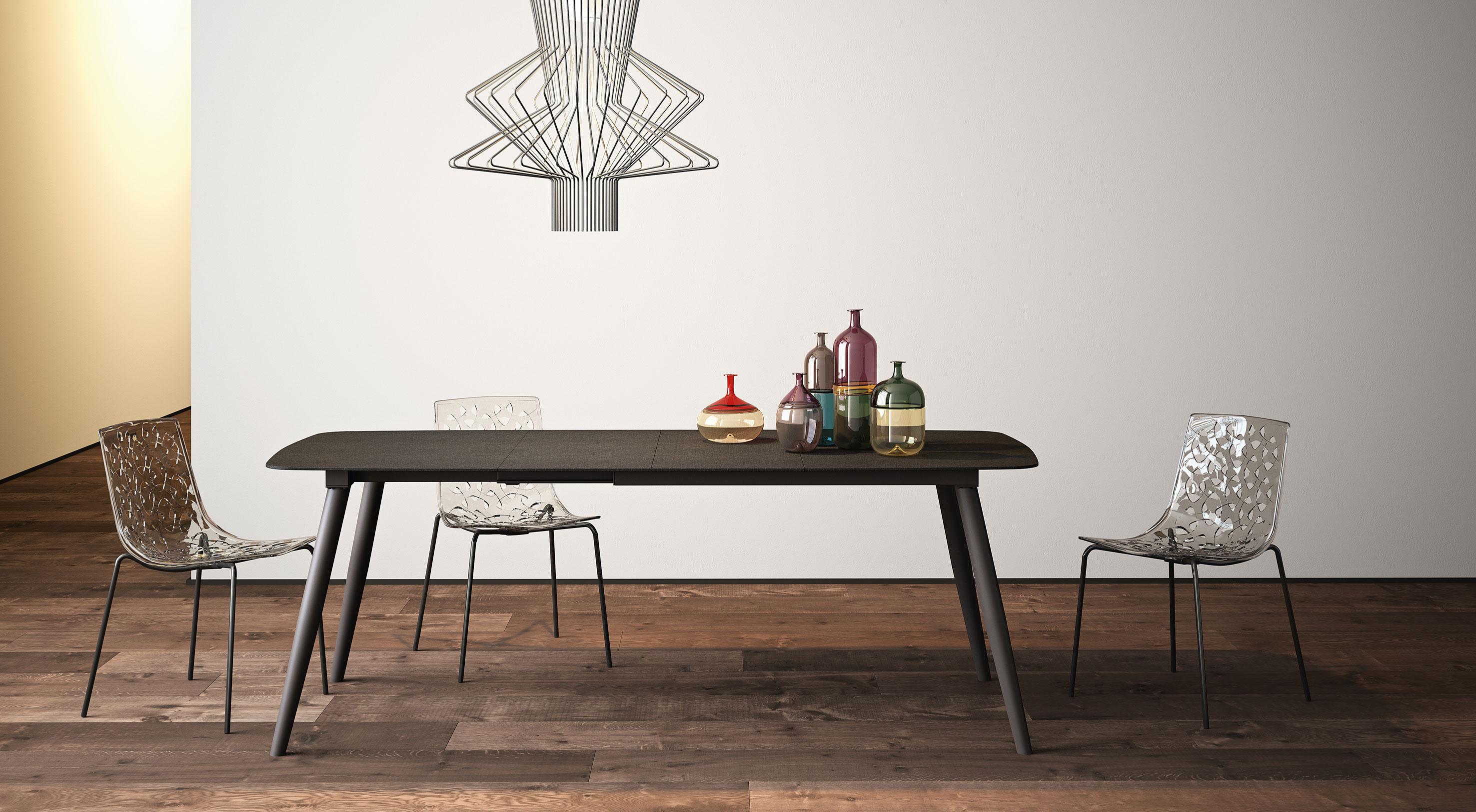 Sedie In Metallo E Plastica : Sedie in plastica eleganti per arredare casa